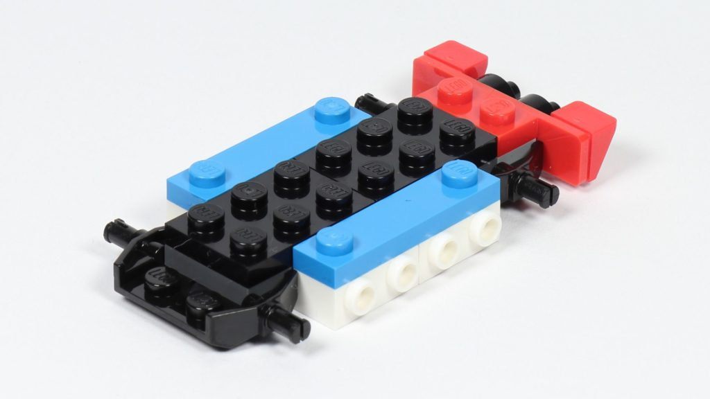 LEGO® Creator 30572 Rennauto - Aufbau 1, vorne, links | ©2019 Brickzeit