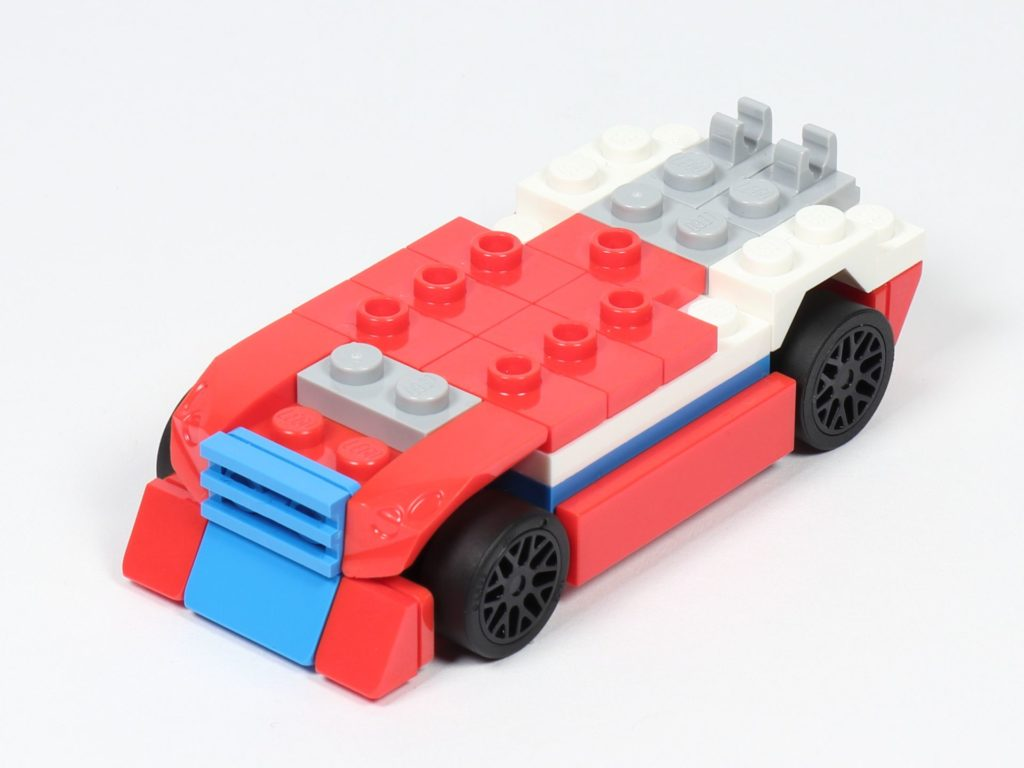 LEGO® Creator 30572 Rennauto - Aufbau 2, vorne, links | ©2019 Brickzeit