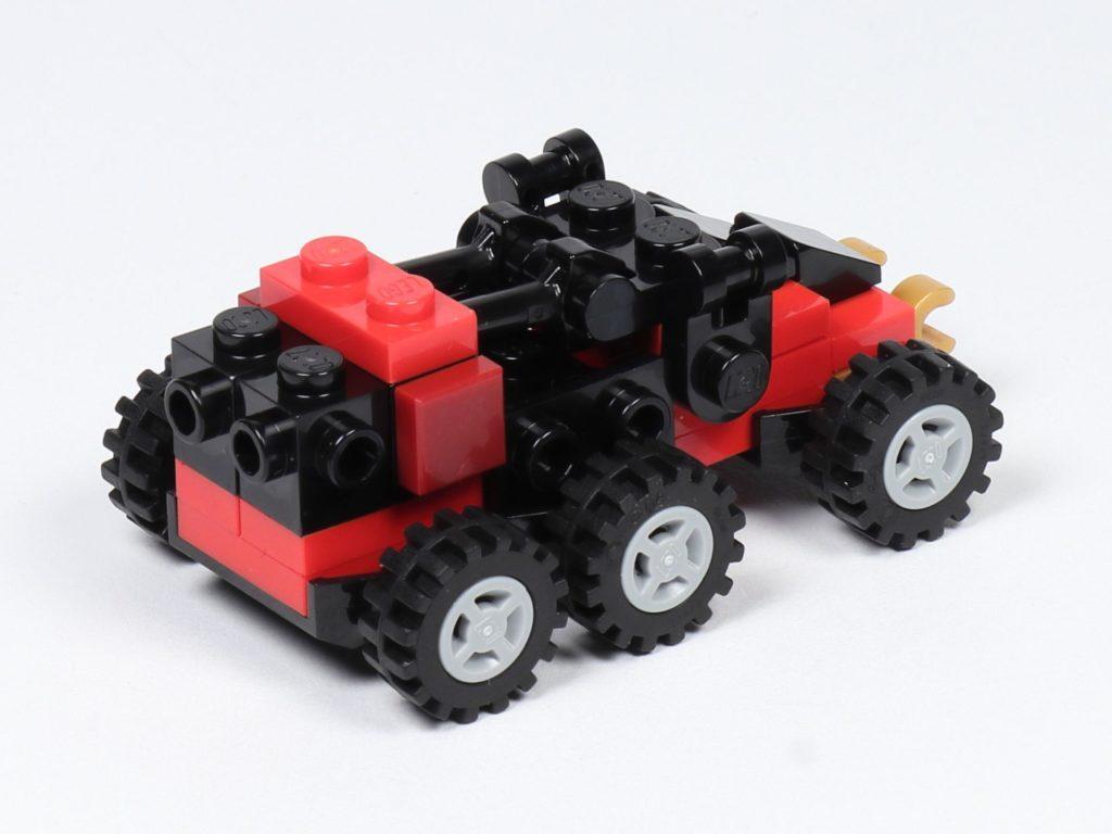 LEGO® Ninjago® Legacy Drachen-Fänger- hinten, rechts | ©2019 Brickzeit
