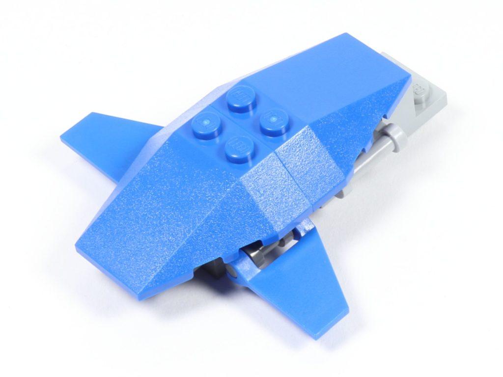 LEGO® Star Wars™ 75002 AT-RT™ - Bauabschnitt 3 - Frontteil mit blauen Elementen 2 | ©2019 Brickzeit