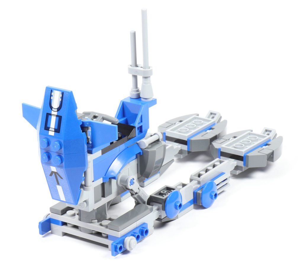 LEGO® Star Wars™ 75002 AT-RT™ - Bauabschnitt 3 - Frontteil an Körper befestigt | ©2019 Brickzeit