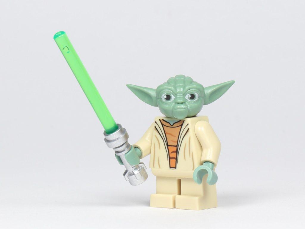LEGO® Star Wars™ 75002 AT-RT™ - Yoda mit Lichtschwert | ©2019 Brickzeit