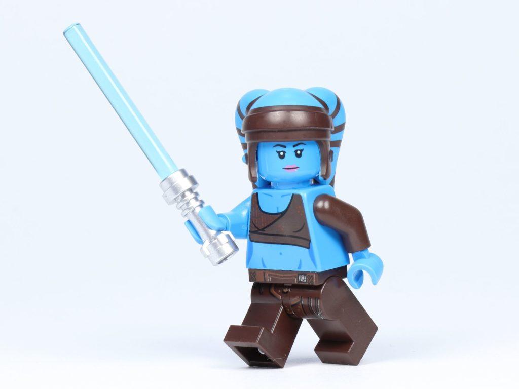LEGO Star Wars 75182 - Aayla Secura mit Lichtschwert | ©2019 Brickzeit