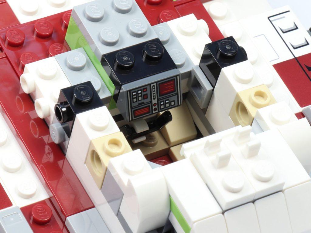 LEGO® Star Wars™ 75182 Republic Fighter Tank - Bauabschnitt 2, Bild 13 | ©2019 Brickzeit