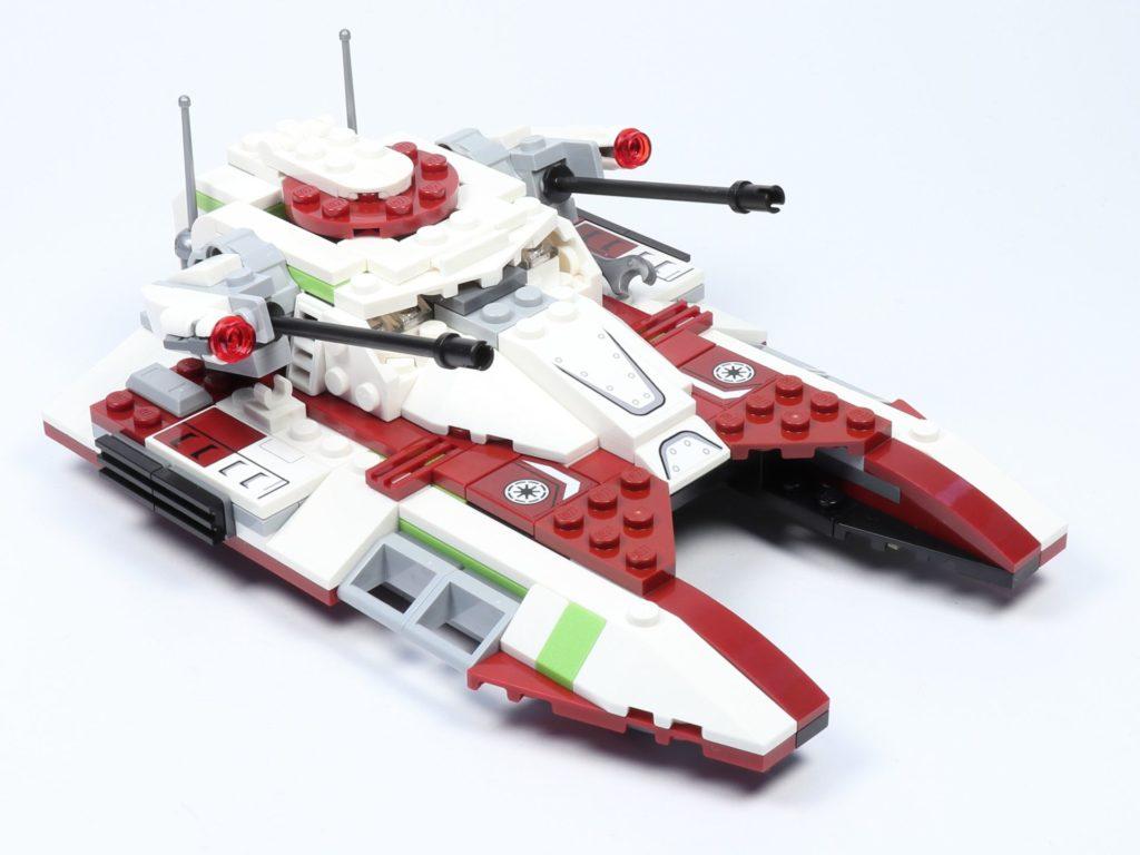 LEGO® Star Wars™ 75182 Republic Fighter Tank - Panzer, vorne rechts | ©2019 Brickzeit