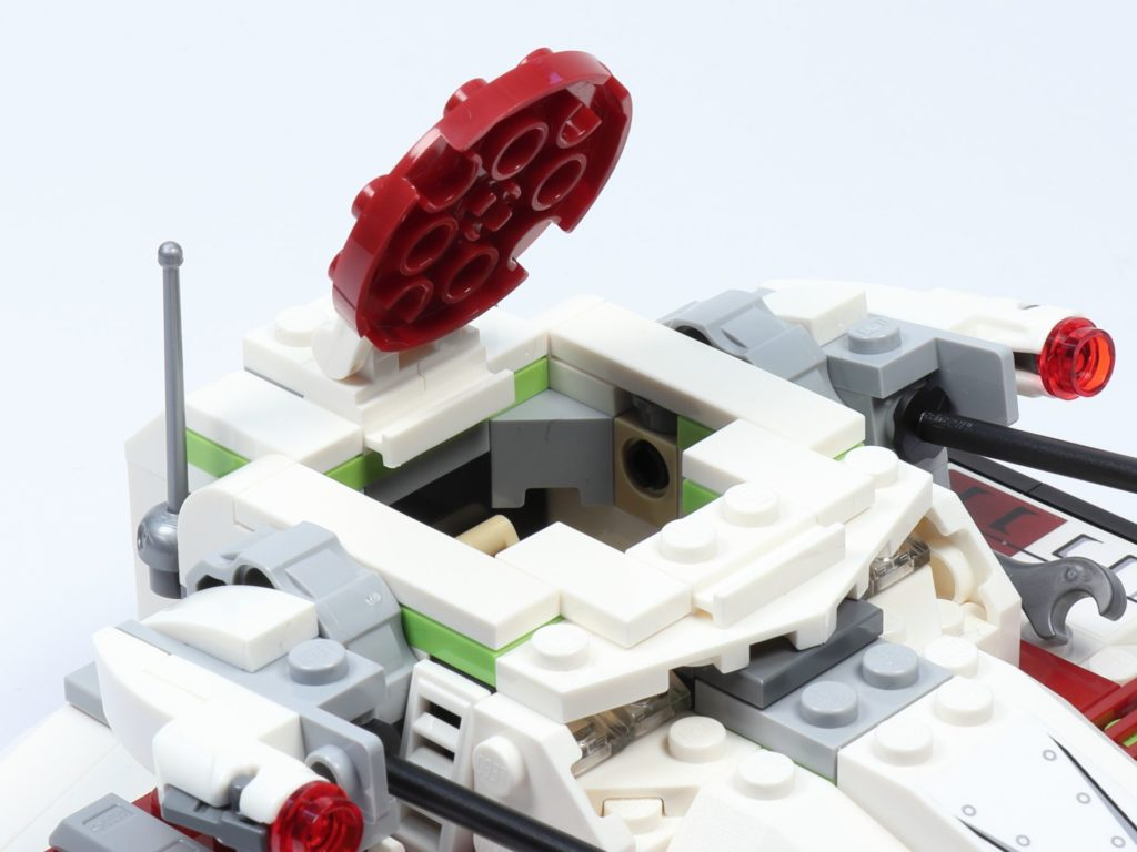 LEGO® Star Wars™ 75182 Republic Fighter Tank - Panzer, offene Luke | ©2019 Brickzeit
