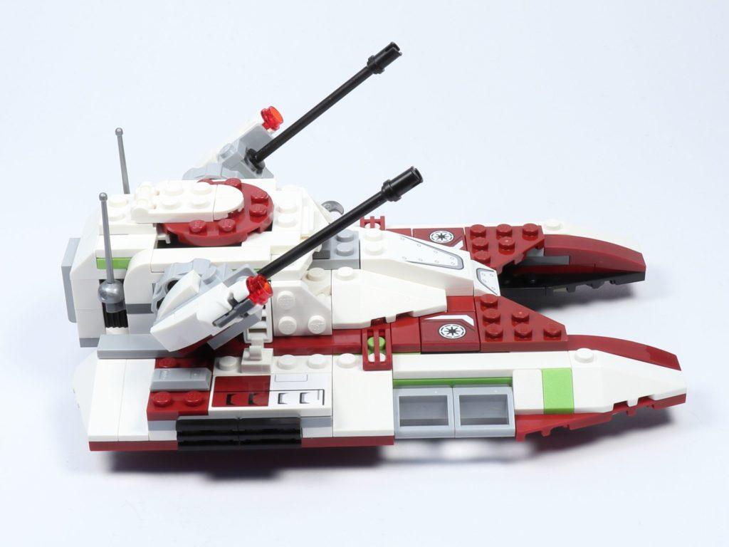 LEGO® Star Wars™ 75182 Republic Fighter Tank - Panzer, rechte Seite | ©2019 Brickzeit