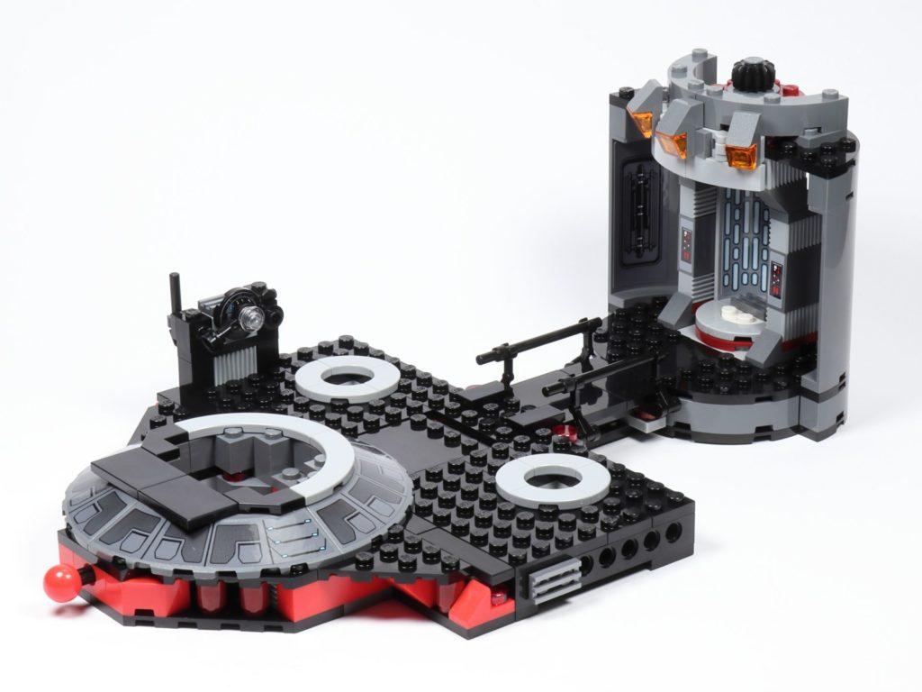 LEGO® Star Wars™ 75216 - Aufzug an Bauabschnitt 1 befestigt | ©2019 Brickzeit