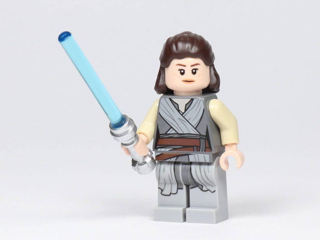 LEGO® Star Wars™ 75216 - Rey mit Lichtschwert | ©2019 Brickzeit