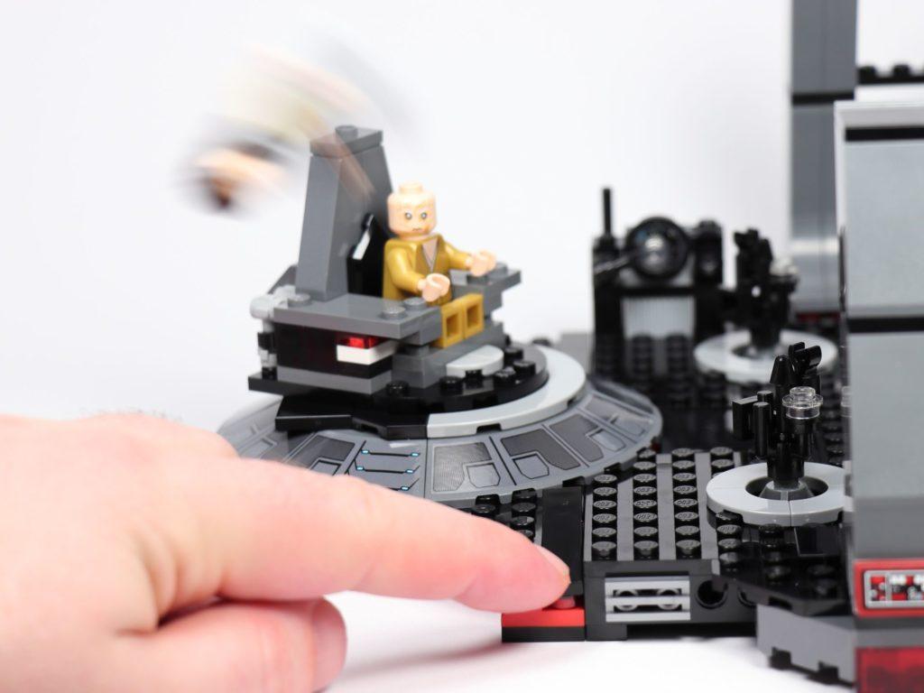 LEGO® Star Wars™ 75216 - Rey weggeschleudert | ©2019 Brickzeit