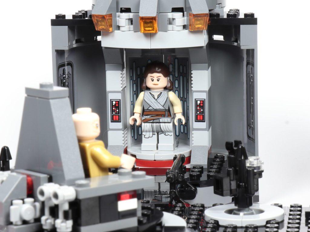 LEGO® Star Wars™ 75216 - Rey im Aufzug | ©2019 Brickzeit