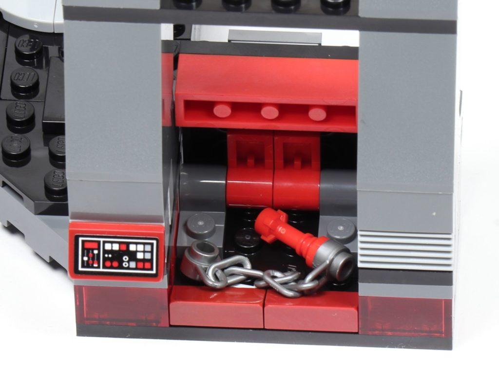 LEGO® Star Wars™ 75216 - Staufach in rechter Säule | ©2019 Brickzeit