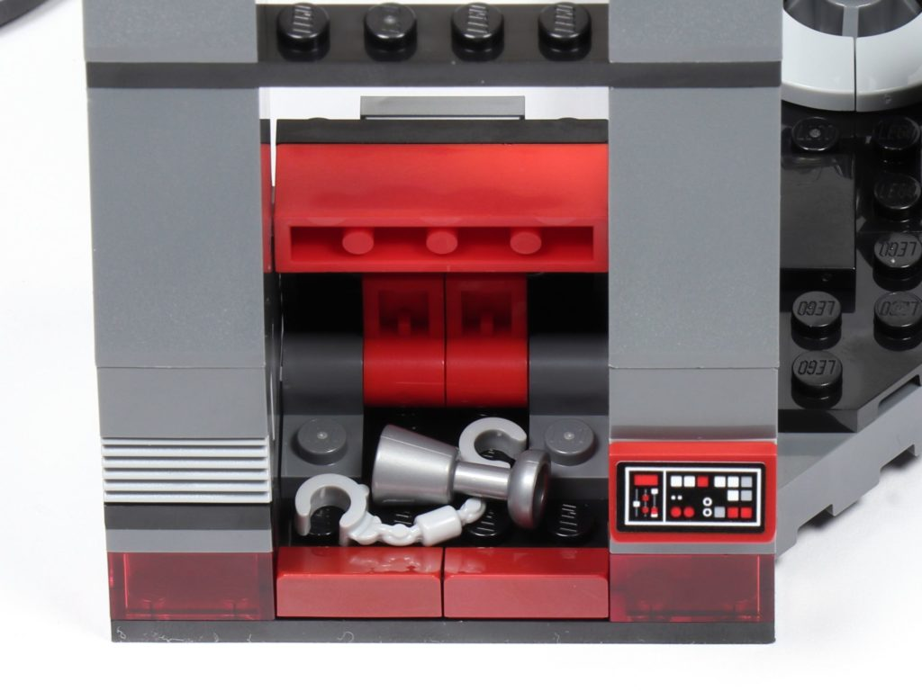 LEGO® Star Wars™ 75216 - Staufach in linker Säule | ©2019 Brickzeit