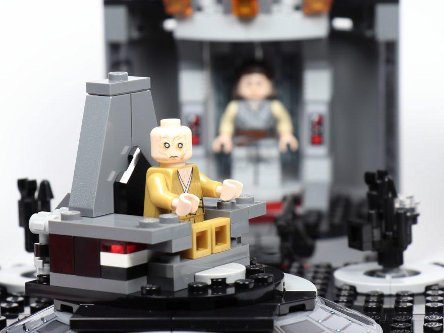 LEGO® Star Wars™ 75216 - Snokes drehbarer Thron | ©2019 Brickzeit