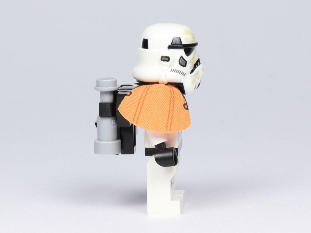 LEGO® Star Wars™ 75228 - Sandtropper, rechte Seite | ©2019 Brickzeit