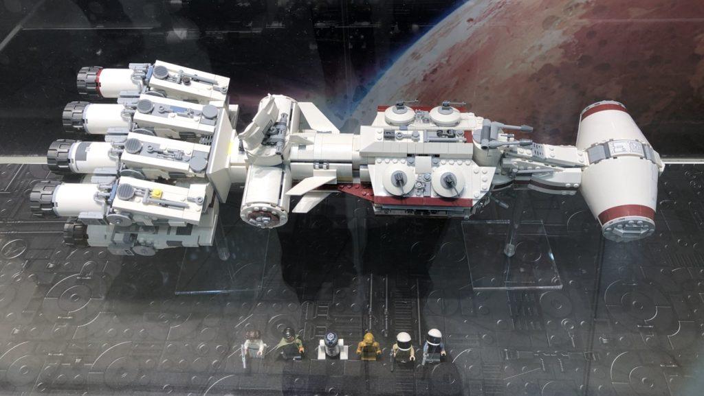 LEGO® Star Wars™ 75244 Tantive IV im Schaufenster Draufsicht | ©2019 Brickzeit