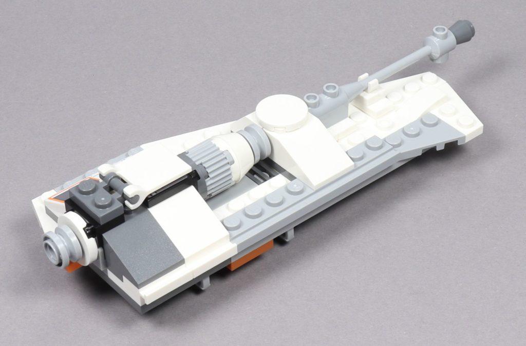 LEGO® Star Wars™ 75259 - Bauabschnitt 3 - linker Flügel fertig, hinten rechts | ©2019 Brickzeit
