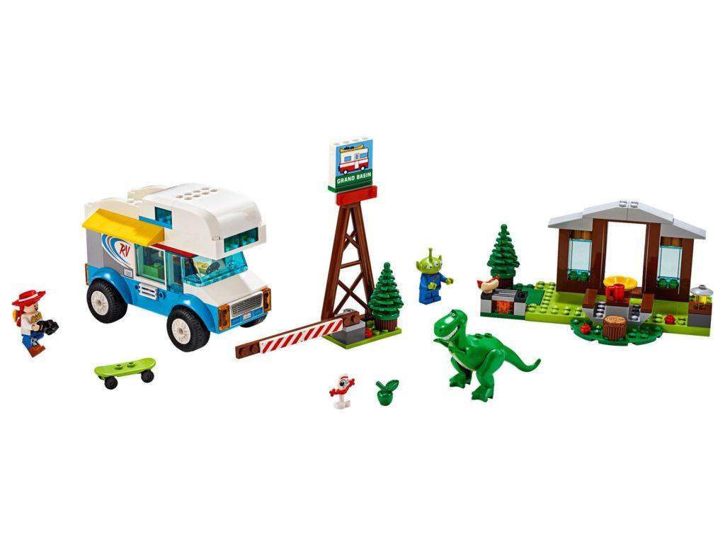 LEGO® 10769 Ferien mit dem Wohnmobil - Bild 1 | ©LEGO Gruppe