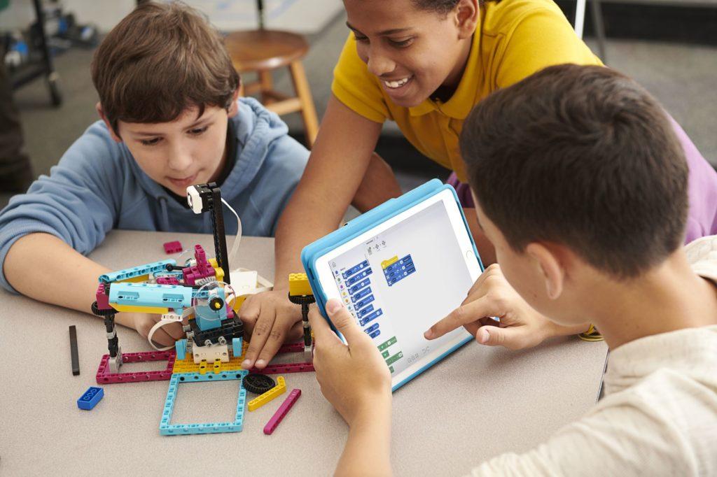 Pressebild - LEGO® Education SPIKE™ Prime - Programmieren | ©LEGO Gruppe