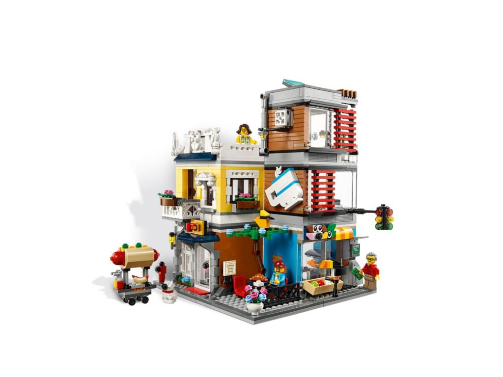 LEGO® Creator 3-in-1 31097 Stadthaus mit Zoohandlung & Cafe | ©LEGO Gruppe