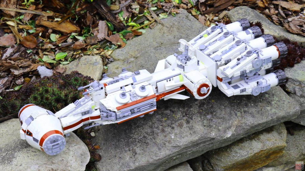 LEGO 75244 - Tantive IV am Abgrund | ©2019 Brickzeit