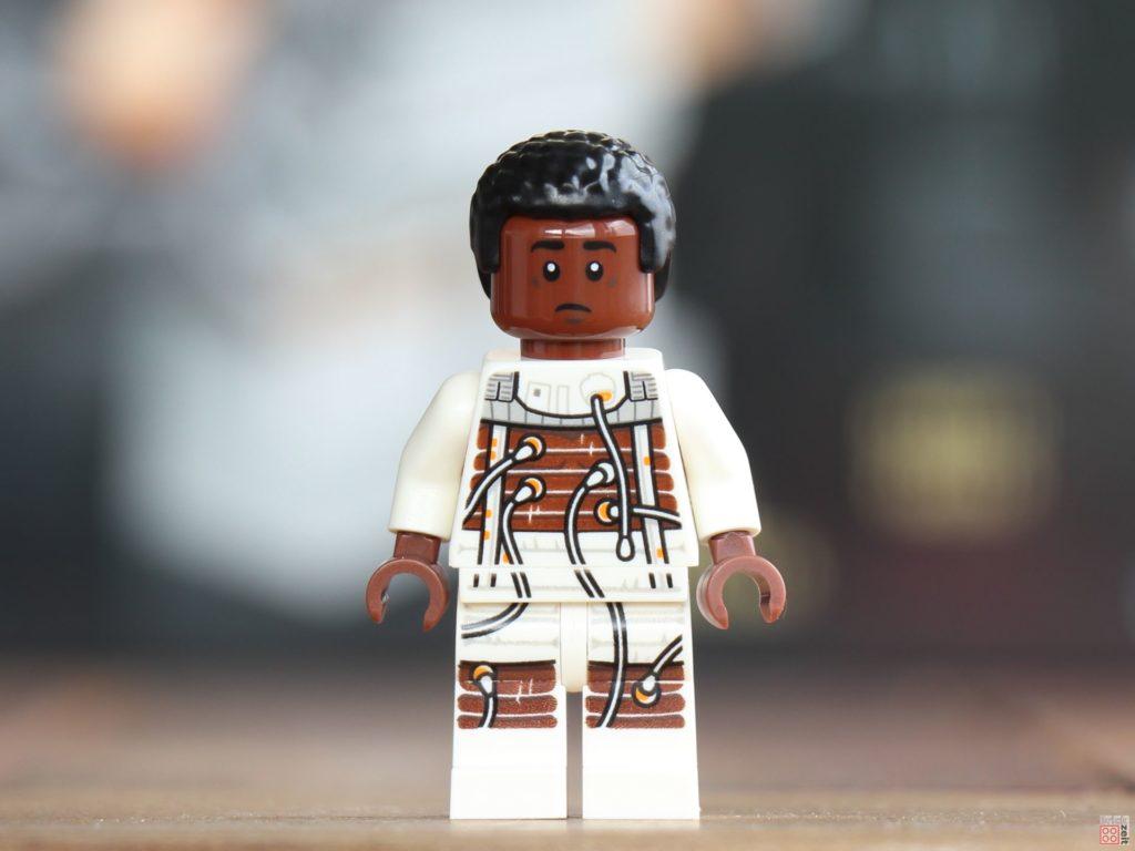 LEGO® Star Wars™ Lexikon 2019 - Finn im Bacta-Anzug, Vorderseite | ©2019 Brickzeit