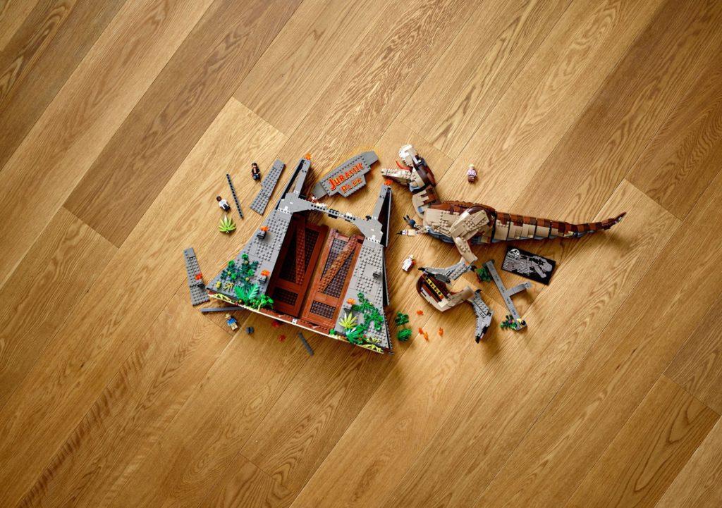 LEGO® 75936 Jurassic Park - T.Rex Verwustung auf Boden | ©LEGO Gruppe