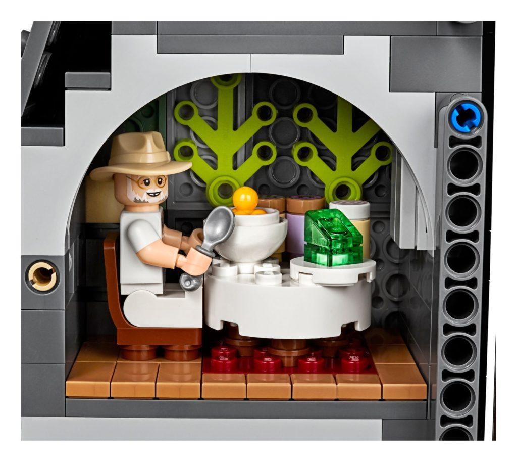 LEGO® 75936 - John Hammond im Speisesaal | ©LEGO Gruppe
