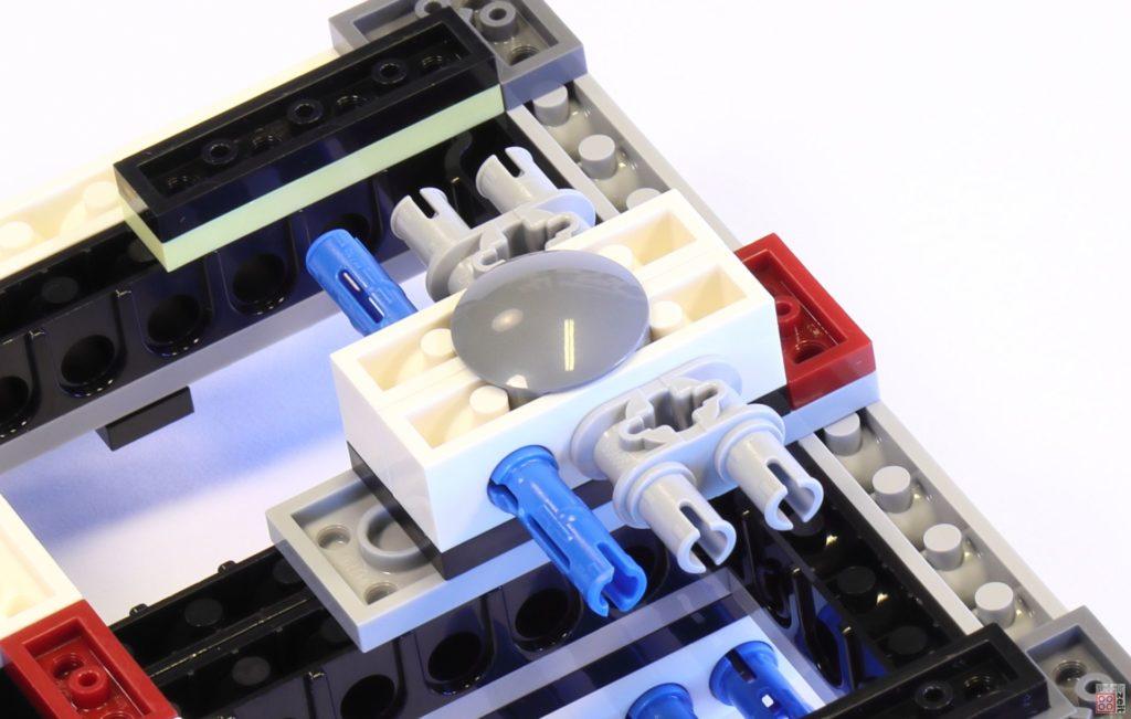 LEGO 75244 - Bauabschnitt 1, Grundgerüst unten | ©2019 Brickzeit