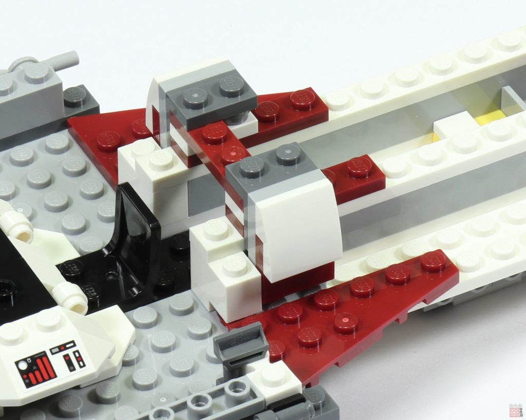 LEGO 75244 - Bauabschnitt 2, Zierteile am Durchgang | ©2019 Brickzeit