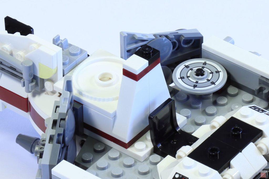 LEGO 75244 - Bauabschnitt 3, Gangabdeckung | ©2019 Brickzeit