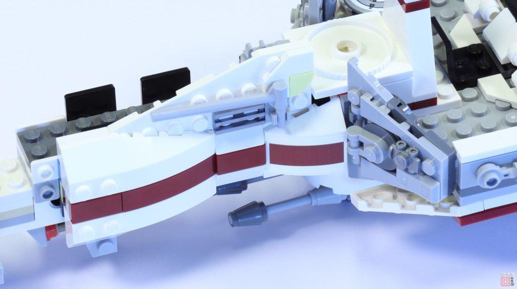 LEGO 75244 - Bauabschnitt 3, linke Seitenverkleidung | ©2019 Brickzeit