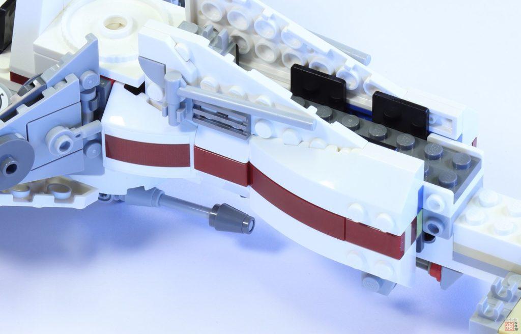 LEGO 75244 - Bauabschnitt 3, rechte Seitenverkleidung | ©2019 Brickzeit