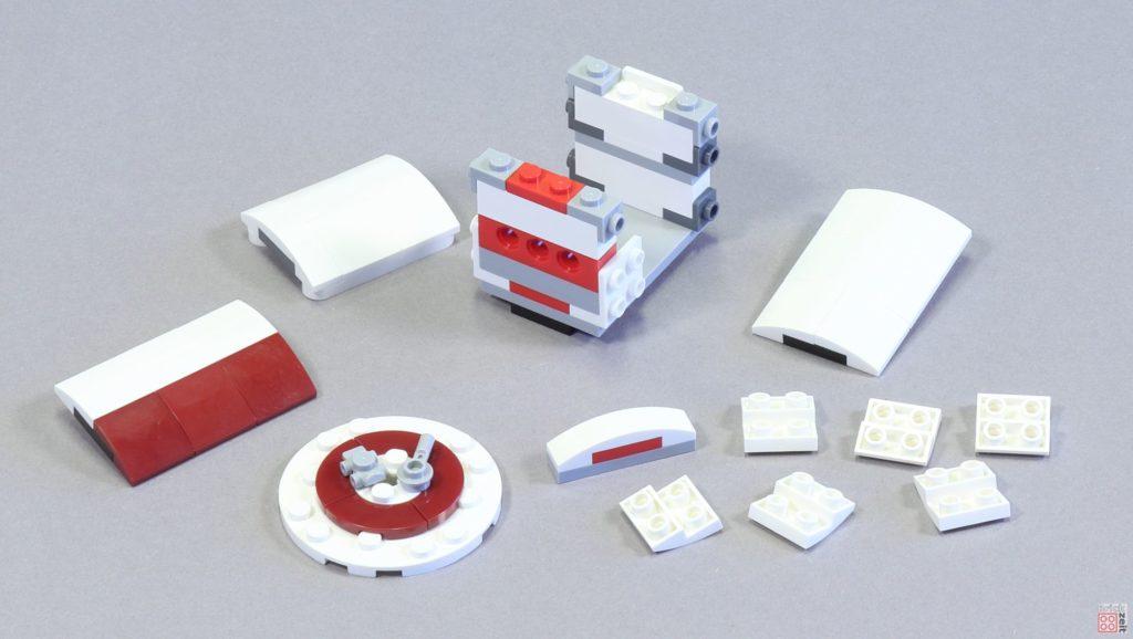 LEGO 75244 - Bauabschnitt 4, Rettungskapsel in Einzelteilen | ©2019 Brickzeit