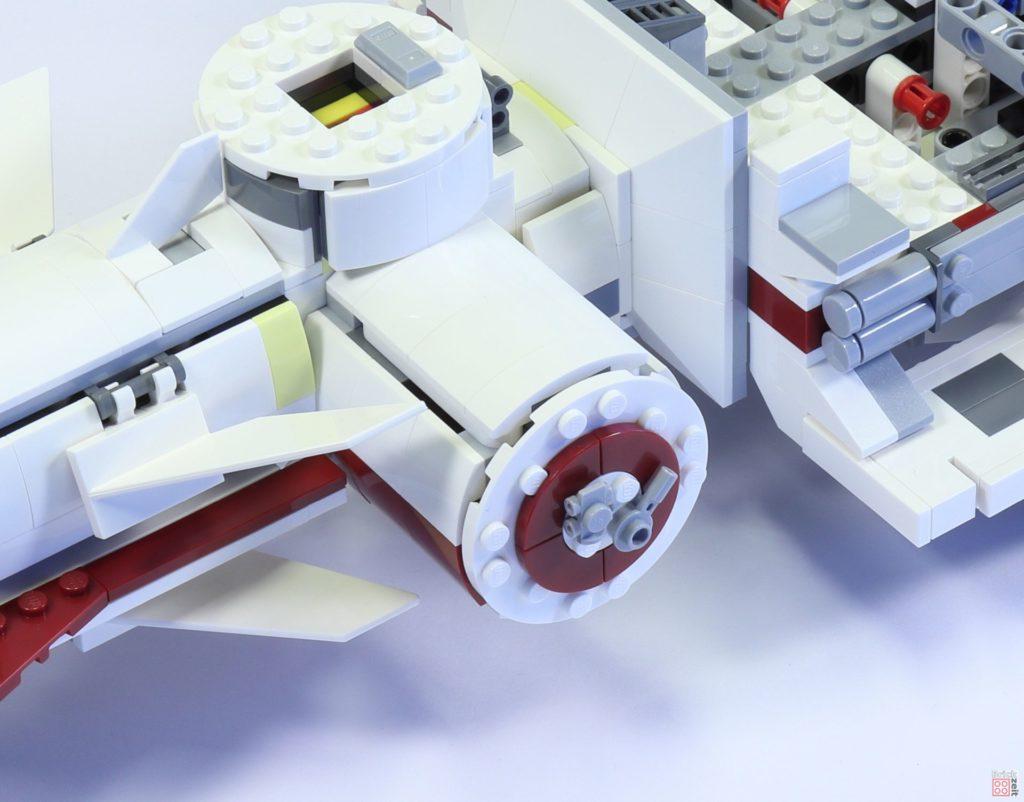 LEGO 75244 - Bauabschnitt 4, Rettungskapsel, linke Raumschiffseite | ©2019 Brickzeit