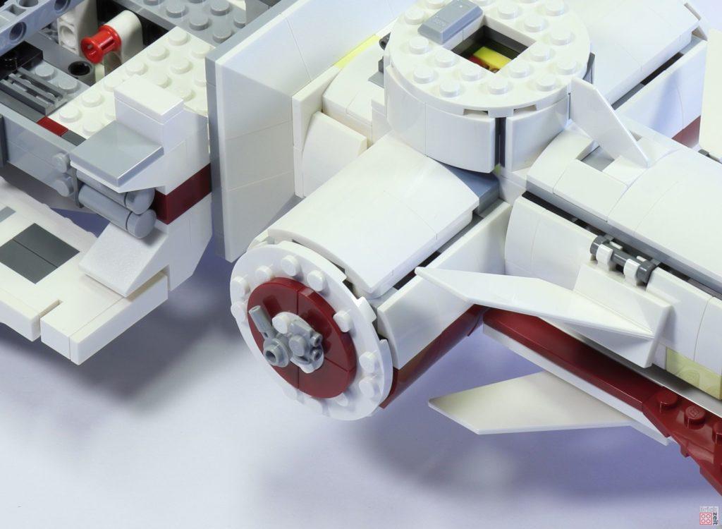 LEGO 75244 - Bauabschnitt 4, Rettungskapsel, rechte Raumschiffseite | ©2019 Brickzeit