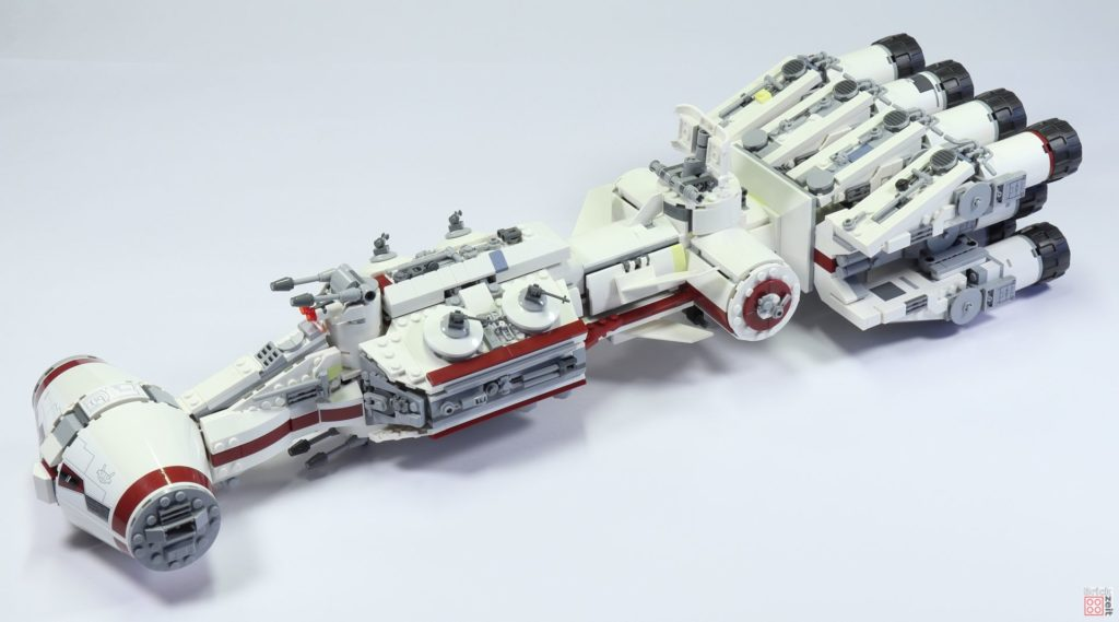 LEGO Star Wars 75244 Tantive IV - vorne links | ©2019 Brickzeit
