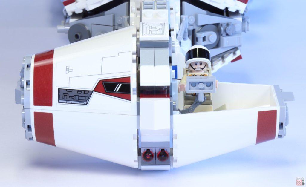 LEGO Star Wars 75244 Tantive IV - halboffenes Cockpit mit Minifiguren | ©2019 Brickzeit