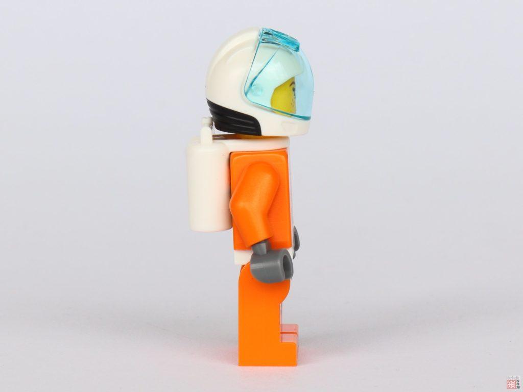 LEGO® City 40345 - Austronautin in orangem Anzug, rechte Seite | ©2019 Brickzeit