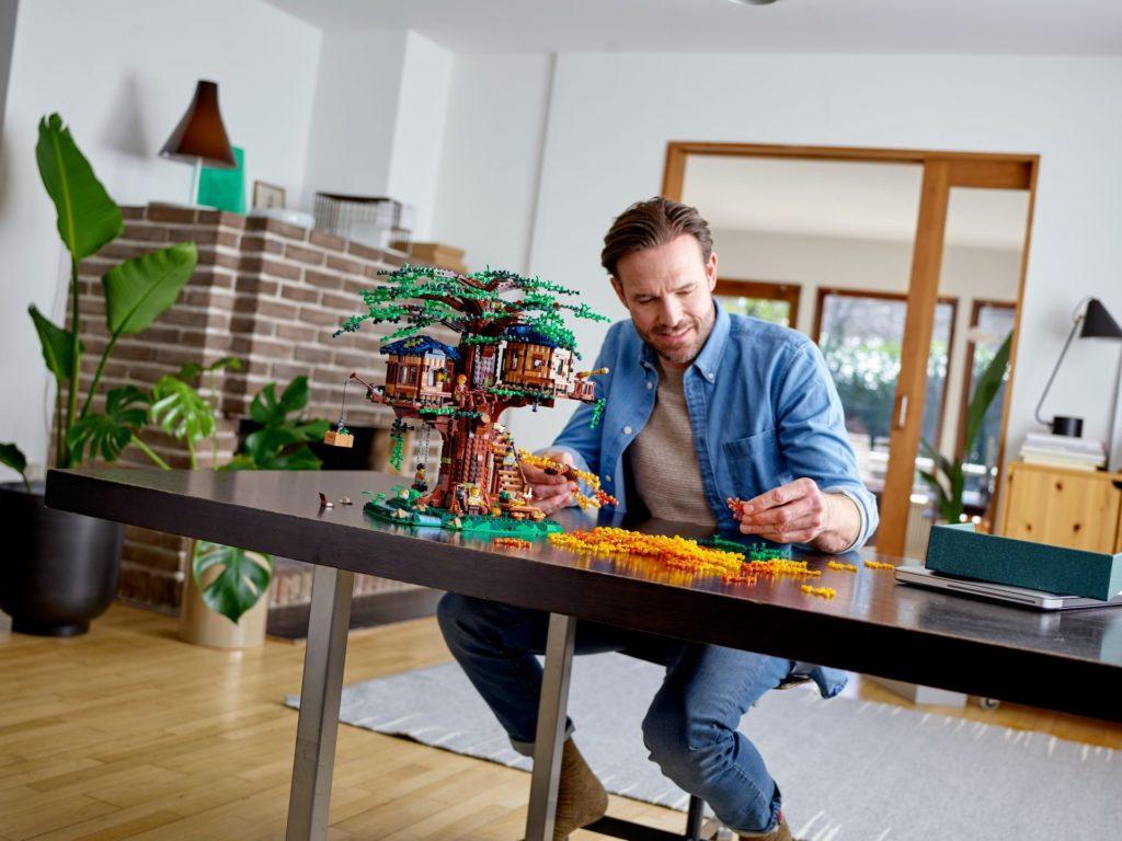 LEGO® Ideas 21318 Baumhaus - Foto| ©LEGO Gruppe