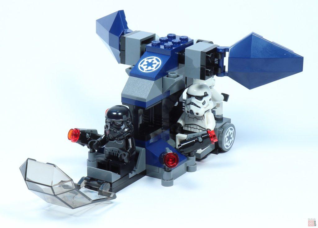 LEGO® Star Wars™ 75262 Imperial Dropship mit Minifiguren, offenes Cockpit | ©2019 Brickzeit