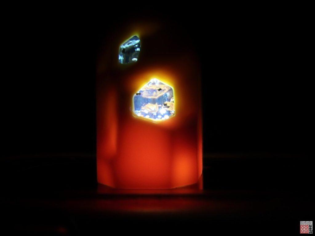 LEGO® blaue Geode, leuchtet | ©2019 Brickzeit