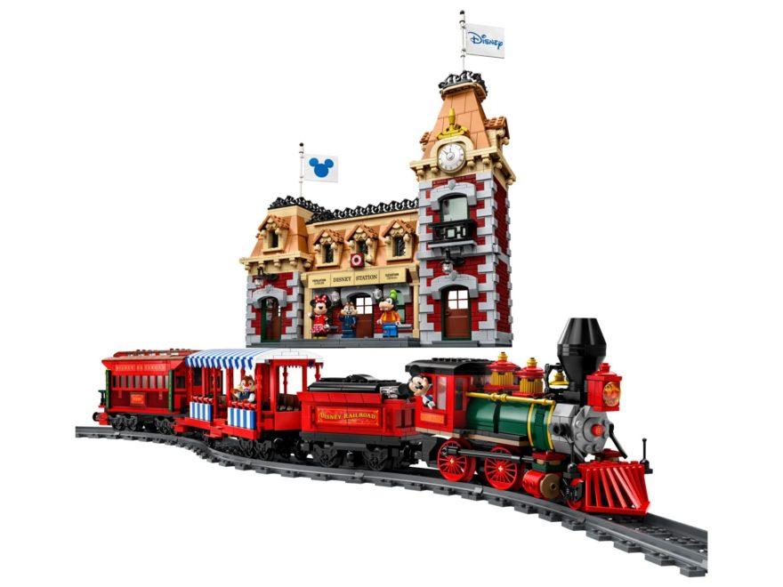 LEGO 71044 Disney Zug mit Bahnhof | ©LEGO Gruppe