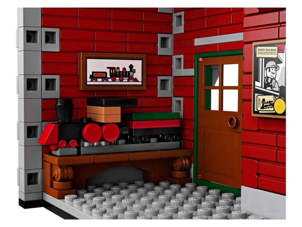 LEGO® 71044 Disney Zug mit Bahnhof - Raum | ©LEGO Gruppe
