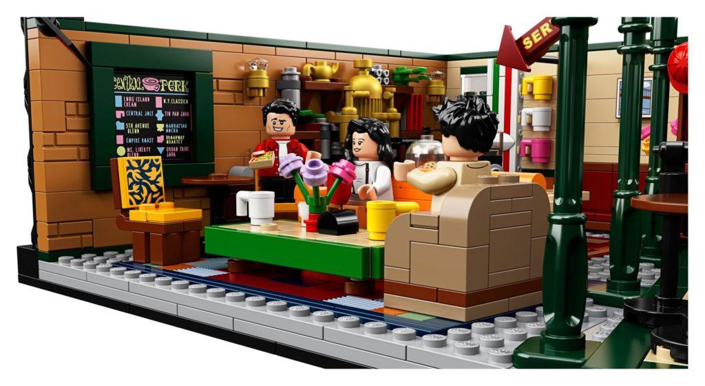 LEGO® Ideas 21319 Central Perk aus F.R.I.E.N.D.S™ -Bild 3 | LEGO Gruppe