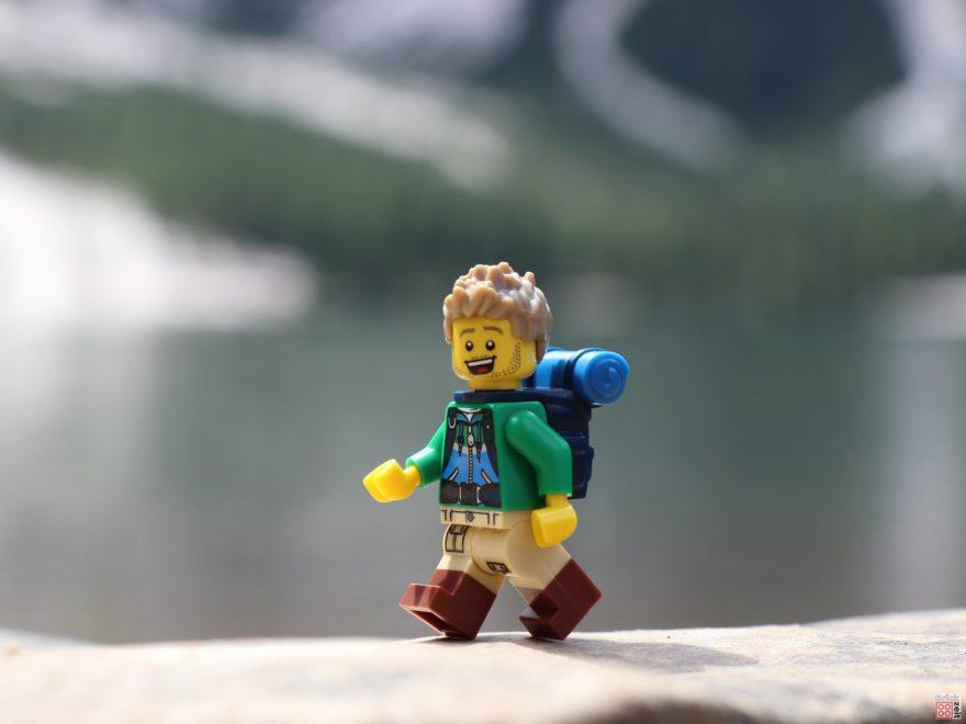 LEGO Wanderer am Pragser Wildsee | ©2019 Brickzeit