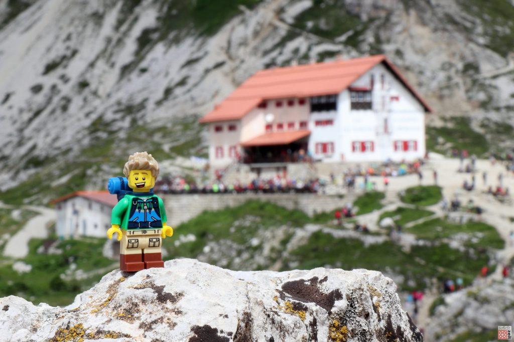 Blick auf die Drei Zinnen Hütte | ©2019 Brickzeit