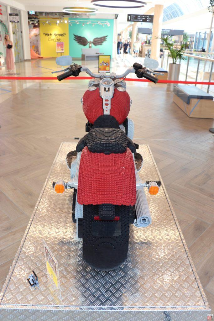 XXL LEGO® Harley-Davidson® Fat Boy® | ©2019 Brickzeit