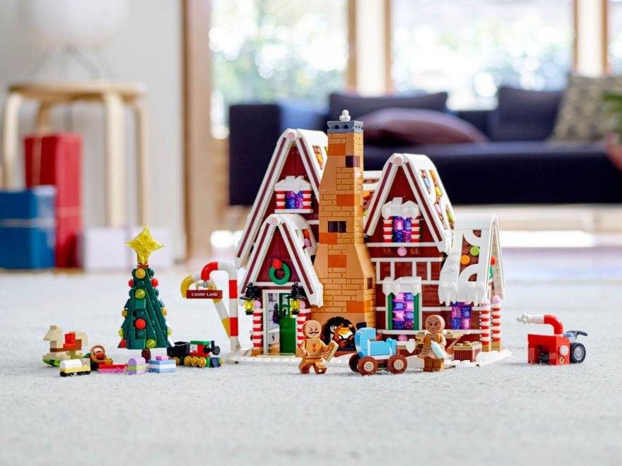 LEGO® Creator Expert 10267 Lebkuchenhaus - Titelbild | ©LEGO Gruppe