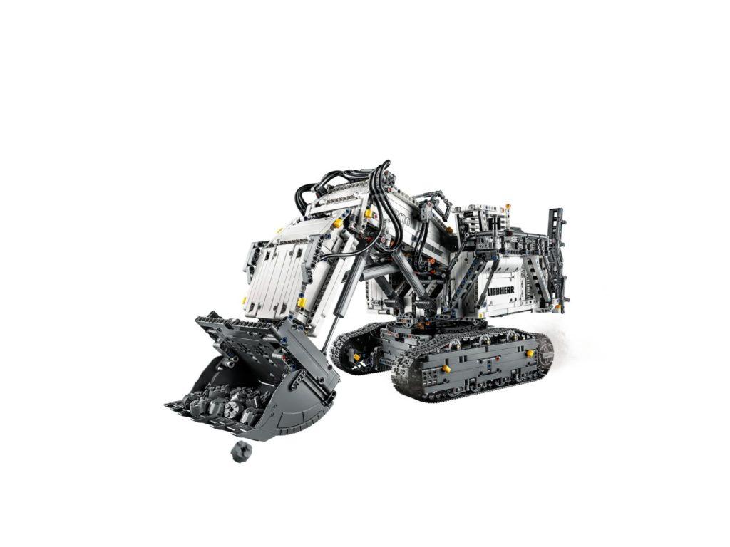 LEGO Technic 42100 Liebherr Bagger R 9800 - Bild 7 | ©LEGO Gruppe